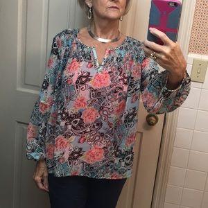 Beautiful New Directions blouse size Medium